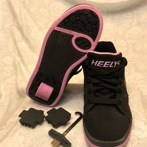 HEELY Unisex kids Voyager tennis Shoes. Size 4